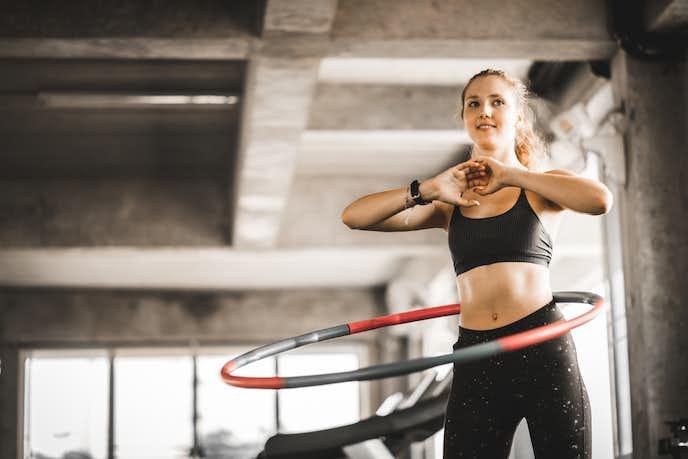フラフープの効果:体幹のインナーマッスルを鍛える