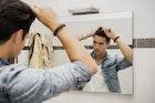 メンズの髪型アップバングの作り方&人気のヘアスタイル【総集編】 | Smartlog