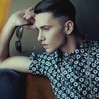 童顔男子必見!大人っぽい男性に変わる11の方法 | Smartlog