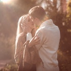 女性はいつ「恋に落ちる」のか?女が男に惚れる15の瞬間 | Divorcecertificate