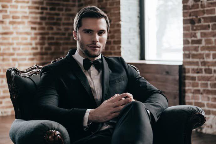 ブラックスーツの着こなしコーディネート術
