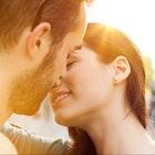 キスしたい心理を刺激する。女性が唇を重ねたくなる時とは? | Smartlog