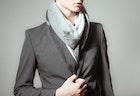 スーツ姿が栄えるマフラー12選。人気ブランドでおしゃれメンズに。 | Smartlog