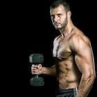 男らしい上腕二頭筋の鍛え方。正しい筋トレ&ストレッチメニューとは | Smartlog