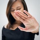 女性が「生理的に無理な人だ…。」と感じる男の特徴とは? | Smartlog