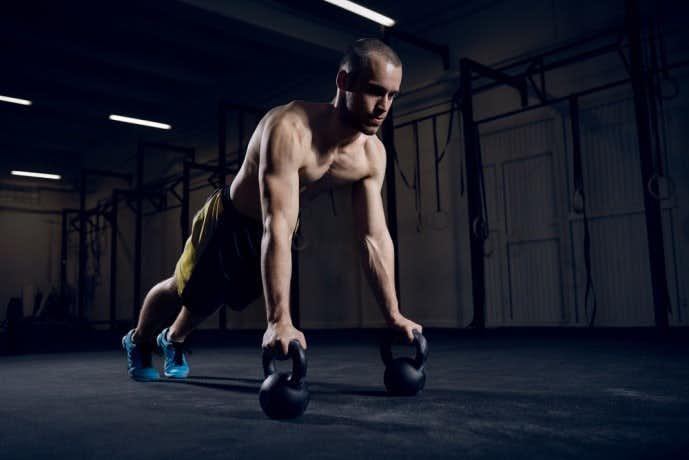 腕立て伏せの筋トレ効果を高めるコツ