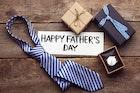 お父さんが喜ぶ誕生日プレゼントランキング【父親に感謝の贈り物を】 | Smartlog