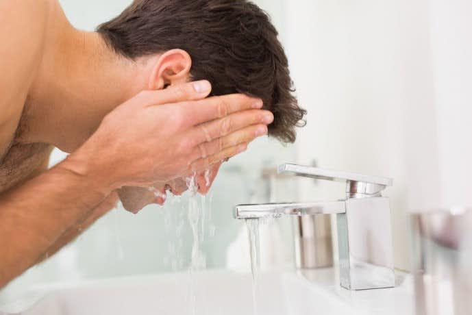 大人ニキビ 原因 洗顔