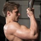 逆手懸垂で男らしい力こぶをGet。正しいやり方&効果的なコツ | Smartlog