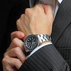 ビジネスマンおすすめ高級腕時計ブランド12選。20代30代社会人男性に人気のモデルとは | Smartlog