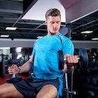 インクラインダンベルカールのやり方。短期間で男らしい上腕二頭筋に | Smartlog
