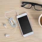 便利なイヤホンクリップのおすすめ16選。劣化を防ぐ使い方&巻きまで方解説 | Smartlog