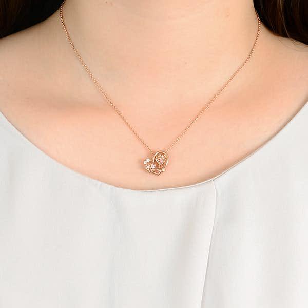クリスマスに彼女に贈りたいミニーデザインのネックレス