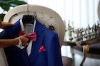 ポケットチーフの使い方5選。スーツ姿を胸元からかっこよく仕上げるコツとは? | Smartlog