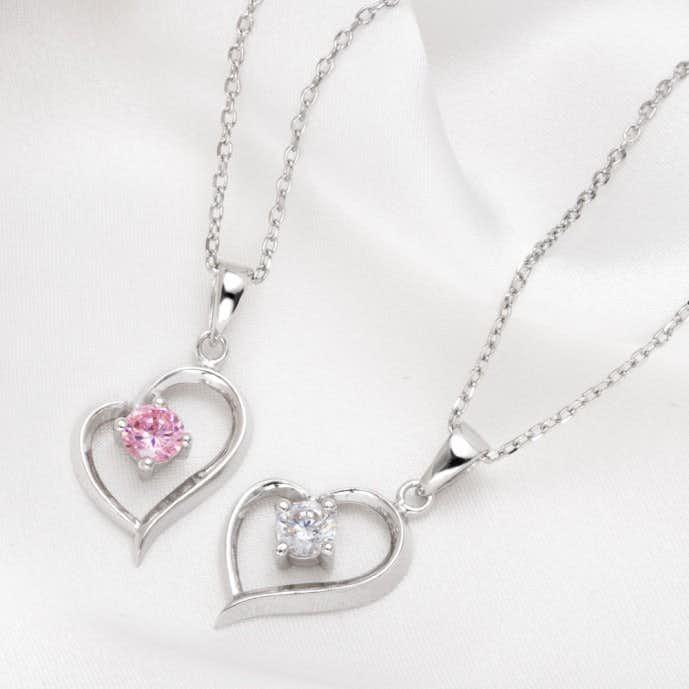 妻へのホワイトデーのお返しにダイヤモンドネックレス