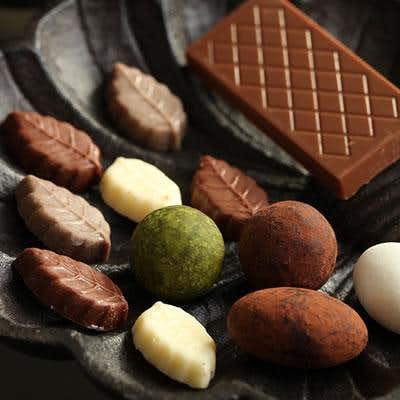 お礼のお菓子のおすすめは小分け包装されたサンドロワイヤルのチョコが人気