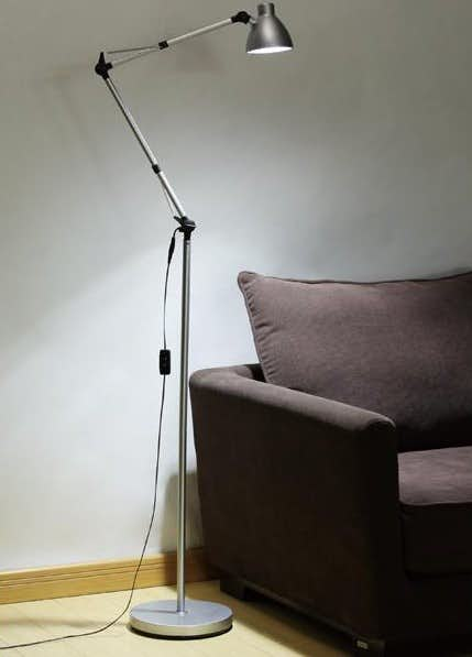 ニトリのモダンランプ