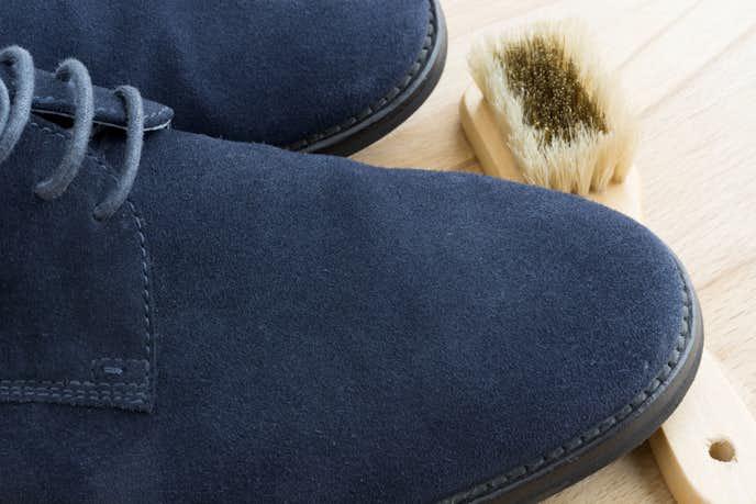 スエード靴を長持ちさせる方法