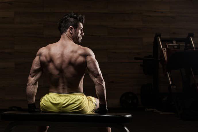 脊柱起立禁を鍛えられるバックエクステンショントレーニング