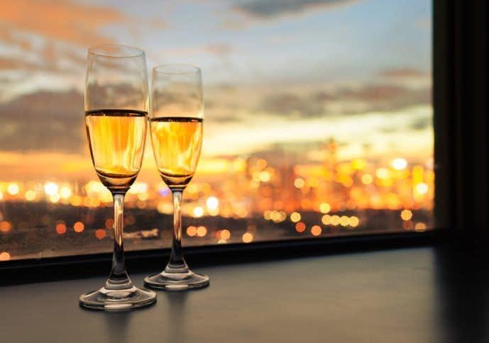 結婚祝いにおしゃれなペアグラスのプレゼントを