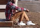 カーゴパンツの上手な着こなし方。春夏秋冬着用できるおすすめコーデ術10選 | Smartlog