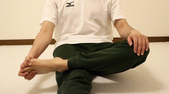 足首の柔軟ストレッチ